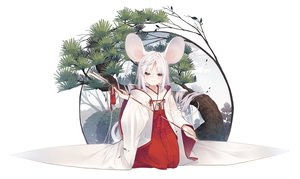 Rating: Safe Score: 54 Tags: animal_ears japanese_clothes long_hair miko mousegirl original purple_eyes tail tokuno_yuika tree white_hair User: BattlequeenYume