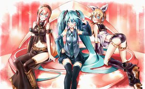 Rating: Safe Score: 103 Tags: hatsune_miku kagamine_rin kozou_(soumuden) megurine_luka navel vocaloid User: FormX