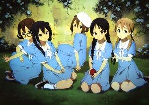Rating: Safe Score: 105 Tags: akiyama_mio dress glasses hirasawa_yui horiguchi_yukiko k-on! kotobuki_tsumugi nakano_azusa scan school_uniform tainaka_ritsu User: Wiresetc