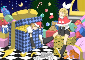 Rating: Safe Score: 17 Tags: christmas food fruit kagamine_len kagamine_rin male vocaloid User: HawthorneKitty