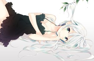 Rating: Safe Score: 108 Tags: breasts cleavage dress green_eyes leaves long_hair naoto_(tulip) original ponytail summer_dress white_hair User: BattlequeenYume