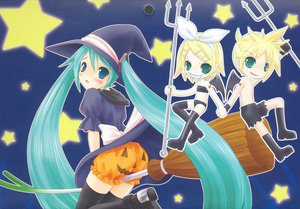Rating: Safe Score: 31 Tags: halloween hatsune_miku kagamine_len kagamine_rin male pumpkin vocaloid User: 秀悟