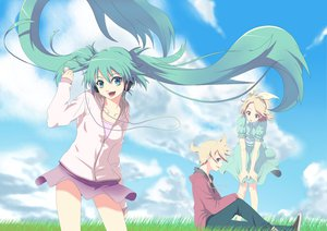 Rating: Safe Score: 75 Tags: aqua_eyes aqua_hair blonde_hair clouds grass green_hair hatsune_miku headphones hoodie kagamine_len kagamine_rin long_hair male short_hair sky twintails vocaloid yooguru User: anaraquelk2