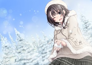 Rating: Safe Score: 60 Tags: black_hair blue_eyes cape fuu_(fuore) hat original short_hair snow wink User: RyuZU