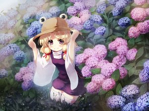 Rating: Safe Score: 87 Tags: blonde_hair flowers gengetsu_chihiro hat moriya_suwako rain touhou water User: FormX