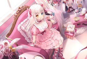 Rating: Safe Score: 117 Tags: aliasing bicolored_eyes cake couch feathers flowers food kagura_mea kagura_mea_channel lolita_fashion long_hair momoshiki_tsubaki rose white_hair User: BattlequeenYume