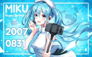 Rating: Safe Score: 18 Tags: gongha hatsune_miku vocaloid User: mattiasc02