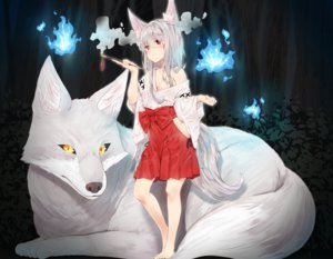 Rating: Safe Score: 59 Tags: agnamore aliasing animal animal_ears barefoot breasts cleavage cropped fire forest fox foxgirl gray_hair japanese_clothes long_hair magic miko night nopan original red_eyes smoking tree User: otaku_emmy