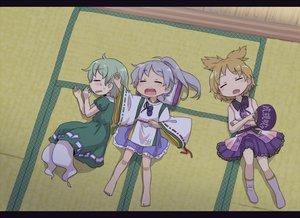 Rating: Safe Score: 42 Tags: mononobe_no_futo sleeping soga_no_tojiko touhou toyosatomimi_no_miko yamabuki_(yusuraume) User: Dust