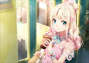 Rating: Safe Score: 95 Tags: aqua_eyes blonde_hair bow drink hakusai long_hair original wristwear User: RyuZU