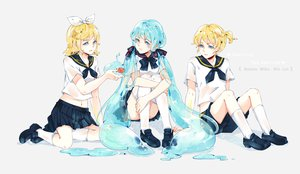 Rating: Safe Score: 39 Tags: animal bottle_miku fish hatsune_miku kagamine_len kagamine_rin male school_uniform tears vocaloid water yaoshi_jun User: FormX