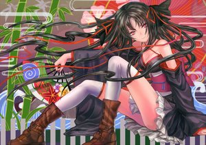 Rating: Safe Score: 152 Tags: black_hair boots fan infukun japanese_clothes kikou_shoujo_wa_kizutsukanai long_hair red_eyes thighhighs yaya User: FormX