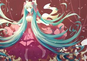 Rating: Safe Score: 103 Tags: aqua_hair dress hatsune_miku isumi_(yangyan) long_hair petals twintails vocaloid yellow_eyes User: luckyluna
