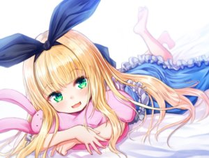 Rating: Safe Score: 88 Tags: baram barefoot bed blonde_hair bunny cat_smile green_eyes headband hug loli lolita_fashion long_hair mononobe_alice nijisanji User: otaku_emmy