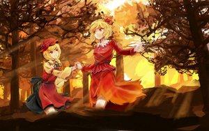 Rating: Safe Score: 89 Tags: 2girls aki_minoriko aki_shizuha autumn blonde_hair hat leaves poyan_noken red_eyes short_hair touhou User: PAIIS