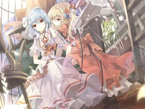 Rating: Safe Score: 33 Tags: brown_hair flandre_scarlet gray_hair red_eyes remilia_scarlet short_hair touhou User: mihaela94