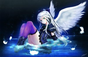 Rating: Safe Score: 147 Tags: boots bow feathers goth-loli green_eyes lolita_fashion quiz_rpg:_world_of_mystic_wiz thighhighs water white_hair wings yuitsuki1206 User: FormX