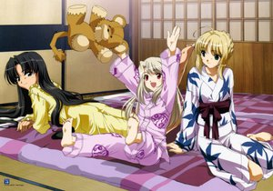Rating: Safe Score: 46 Tags: artoria_pendragon_(all) barefoot blonde_hair braids brown_hair fate_(series) fate/stay_night illyasviel_von_einzbern japanese_clothes kimono long_hair pajamas saber teddy_bear tohsaka_rin User: 秀悟