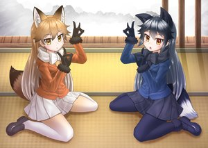 Rating: Safe Score: 15 Tags: 2girls animal_ears anthropomorphism foxgirl gloves kakutasu kemono_friends long_hair pantyhose red_fox_(kemono_friends) silver_fox_(kemono_friends) skirt tail User: Kiho