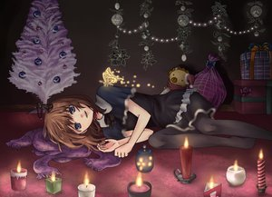 Rating: Safe Score: 66 Tags: blue_eyes brown_hair christmas doll dress long_hair pantyhose sakutaro scarf umineko_no_naku_koro_ni ushiromiya_maria User: Katsumi
