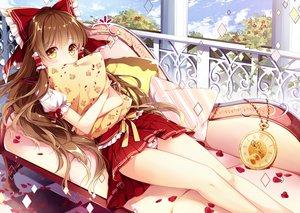 Rating: Safe Score: 149 Tags: aliasing blush brown_hair couch hakurei_reimu long_hair mochizuki_shiina panties petals skirt striped_panties touhou underwear yellow_eyes User: Flandre93