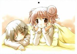 Rating: Safe Score: 6 Tags: hidamari_sketch hiro sleeping ume_aoki yuno User: Oyashiro-sama