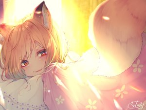 Rating: Safe Score: 65 Tags: animal_ears bed blonde_hair blush chita_(ketchup) close fang foxgirl original red_eyes short_hair signed tail User: BattlequeenYume