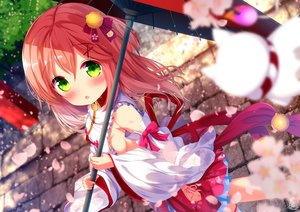 Rating: Safe Score: 39 Tags: bell blush chinomaron green_eyes hololive japanese_clothes miko pink_hair ribbons sakura_miko sideboob signed umbrella User: sadodere-chan