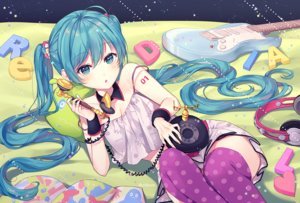 Rating: Safe Score: 94 Tags: aqua_eyes aqua_hair guitar hatsune_miku headphones instrument long_hair phone silltare skirt tattoo thighhighs twintails vocaloid User: RyuZU