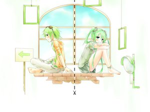 Rating: Safe Score: 30 Tags: 2girls barefoot blush green_hair gumi hatsune_miku sakakidani vocaloid white User: FormX