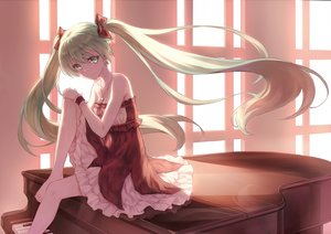 Rating: Safe Score: 209 Tags: barefoot dress green_eyes green_hair hatsune_miku hiten_goane_ryu instrument long_hair necklace piano twintails vocaloid wristwear User: FormX