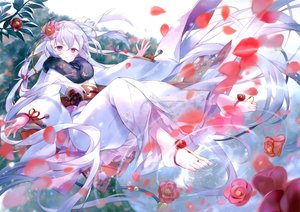 Rating: Safe Score: 47 Tags: flowers gray_hair ibara_riato japanese_clothes kimono long_hair original petals purple_eyes scan User: Nepcoheart