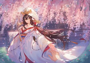 Rating: Safe Score: 89 Tags: anthropomorphism azur_lane brown_hair cherry_blossoms criin_(659503) flowers hoodie horns japanese_clothes kimono long_hair mikasa_(azur_lane) petals wedding_attire yellow_eyes User: Fepple