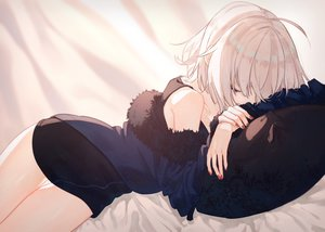 Rating: Safe Score: 87 Tags: bed dress fate/grand_order fate_(series) jeanne_d'arc_alter jeanne_d'arc_(fate) short_hair sleeping white_hair yuno_tsuitta User: RyuZU