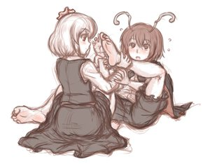 Rating: Safe Score: 27 Tags: 2girls barefoot blush kuro_suto_sukii rumia sketch touhou wriggle_nightbug User: PAIIS