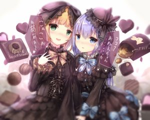 Rating: Safe Score: 32 Tags: 2girls apple228 aqua_eyes blonde_hair blush bow dress flowers gochuumon_wa_usagi_desu_ka? goth-loli green_eyes hat kafuu_chino kirima_sharo loli lolita_fashion long_hair petals rose short_hair translation_request User: RyuZU