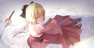 Rating: Safe Score: 133 Tags: blonde_hair boots bow fate/grand_order fate_(series) hei_tong_shi japanese_clothes katana okita_souji_(fate) short_hair sword weapon yellow_eyes User: Flandre93