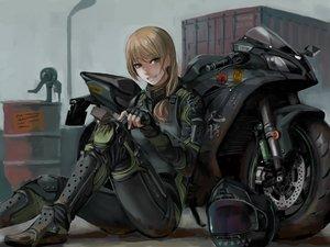 Rating: Safe Score: 98 Tags: armor blonde_hair bodysuit green_eyes hat jittsu long_hair motorcycle original User: mpzocker