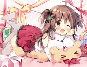 Rating: Safe Score: 120 Tags: blush bow breasts brown_eyes brown_hair christmas long_hair original pan_(mimi) ribbons skirt teddy_bear thighhighs twintails waifu2x wink User: RyuZU