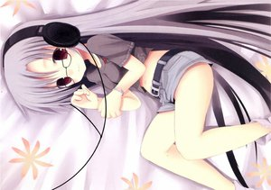 Rating: Safe Score: 68 Tags: glasses headphones purple_hair shiro_(octet) tagme User: rayrei