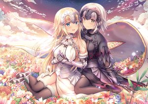 Rating: Safe Score: 57 Tags: aliasing aqua_eyes blonde_hair blush breasts chain clouds dress fate/grand_order fate_(series) gray_hair headdress jeanne_d'arc_alter jeanne_d'arc_(fate) long_hair short_hair shoujo_ai sky thighhighs yellow_eyes yuriko User: RyuZU