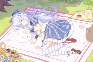 Rating: Safe Score: 56 Tags: blush bow dress drink flowers gochuumon_wa_usagi_desu_ka? kafuu_chino loli senba_hikari sleeping thighhighs tippy_(gochiusa) wristwear User: RyuZU