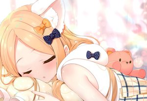Rating: Safe Score: 47 Tags: abigail_williams_(fate/grand_order) animal_ears blonde_hair bow close fate/grand_order fate_(series) hoodie loli long_hair scan sleeping teddy_bear yano_mitsuki User: Nepcoheart