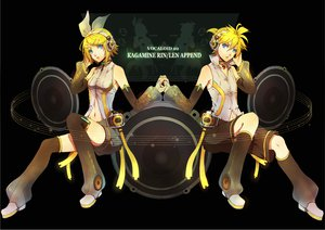 Rating: Safe Score: 48 Tags: kagamine_len kagamine_rin len_append male rin_append senano-yu vocaloid User: HawthorneKitty