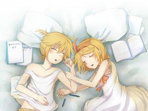Rating: Safe Score: 25 Tags: kagamine_len kagamine_rin male sleeping vocaloid User: HawthorneKitty