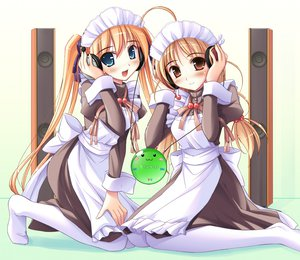 Rating: Safe Score: 27 Tags: apron blonde_hair blue_eyes blush bow brown_eyes happiness headband headphones hiiragi_anri long_hair maid ribbons sakurai_chie twintails yuibashi yui_bashi User: Oyashiro-sama