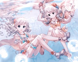 Rating: Safe Score: 55 Tags: 2girls brown_eyes bubbles gocoli gray_hair hisakawa_hayate hisakawa_nagi idolmaster idolmaster_cinderella_girls long_hair necklace twins twintails underwater water User: BattlequeenYume