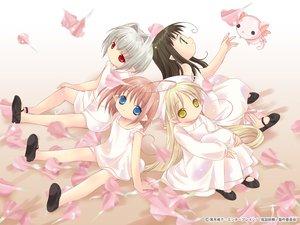 Rating: Safe Score: 4 Tags: bottle_fairy chiriri hororo kururu oboro petals pointed_ears sarara tokumi_yuiko User: Oyashiro-sama