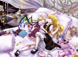 Rating: Safe Score: 49 Tags: blonde_hair chain doll flandre_scarlet flowers food goth-loli kirisame_marisa lolita_fashion remilia_scarlet rozen_maiden sleeping suigintou touhou vampire wings witch yellow_eyes yuna-yume User: gnarf1975