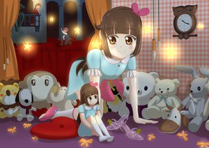Rating: Safe Score: 33 Tags: bed bow brown_eyes brown_hair bunny doll headband heli-kotohime kneehighs loli long_hair original puppet ribbons snoopy teddy_bear User: gnarf1975